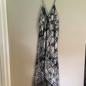 Nicole Miller flowy dress!